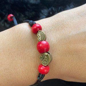 Peace ☮️ Lips love ❤️ macramé bracelet